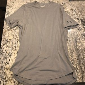 Grey Under Armour fitted athletic Tee L